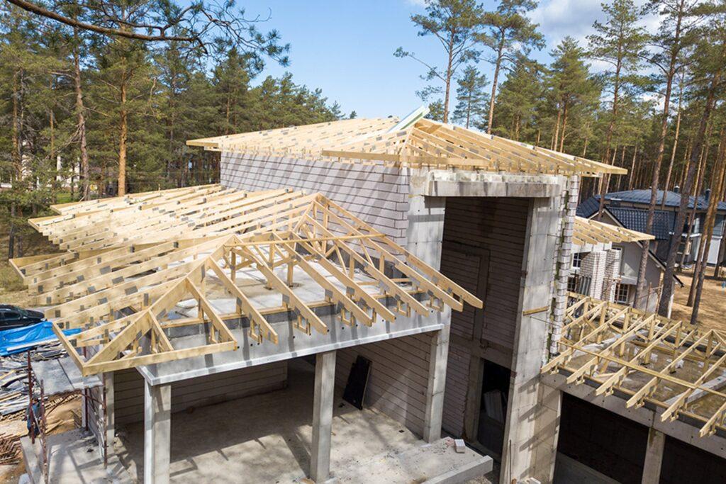 Structure de charpente en bois pour maison à 3 étages 2