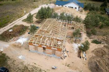 Medinės santvaros privačiam namui Lietuva