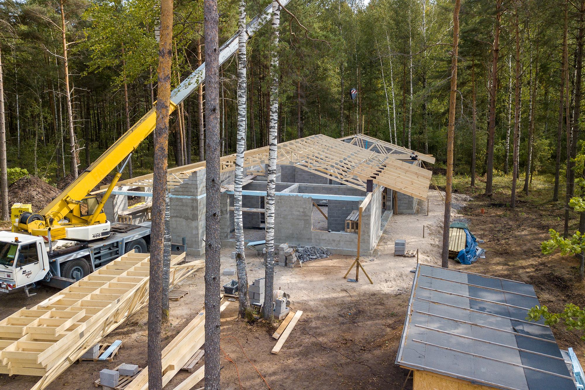 jumta konstrukcija no koka kopnēm