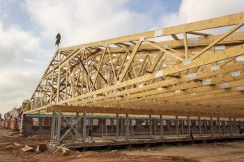 Bâtiments agricoles en treillis en bois