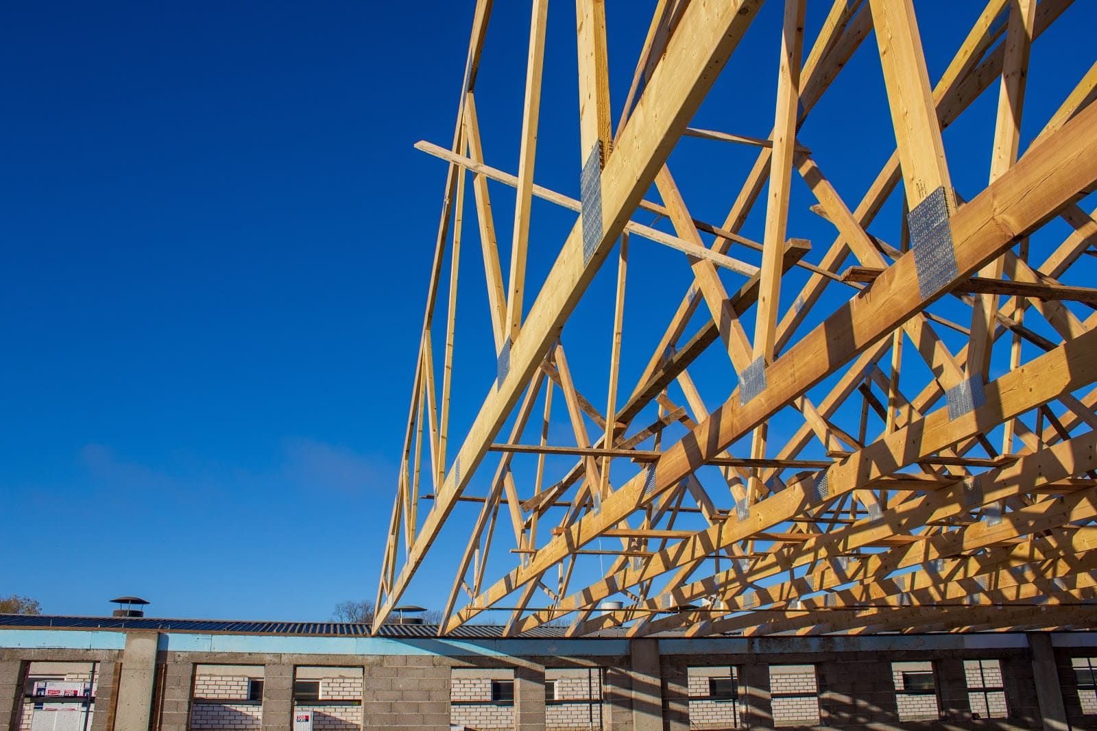 wooden truss for livestock building roof construction