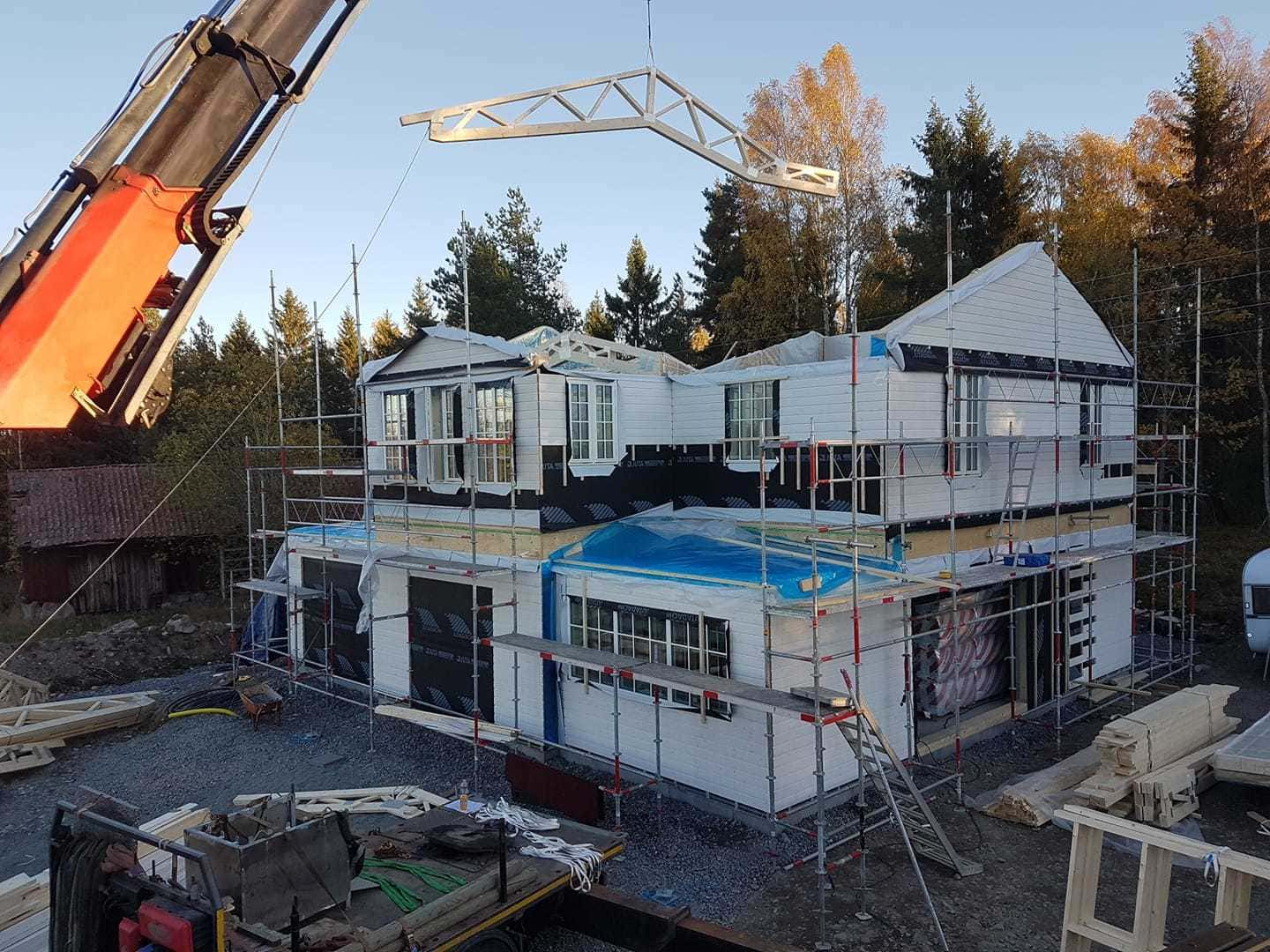Single sloped double sloped four sloped roofs are built from wooden trusses according to the customers wishes.