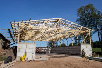 Jumta konstrukcija lauksaimniecības projektam Šķēdē