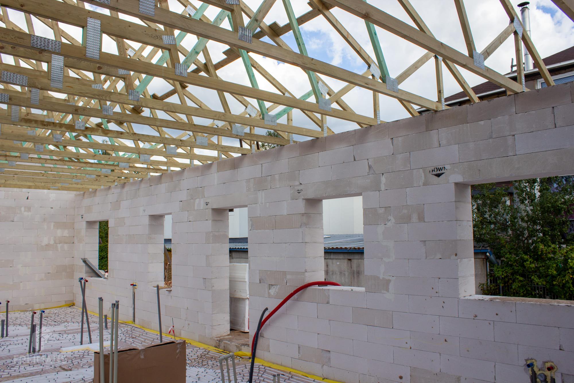Montāžas nianses jumta konstrukcijai no koka kopēm